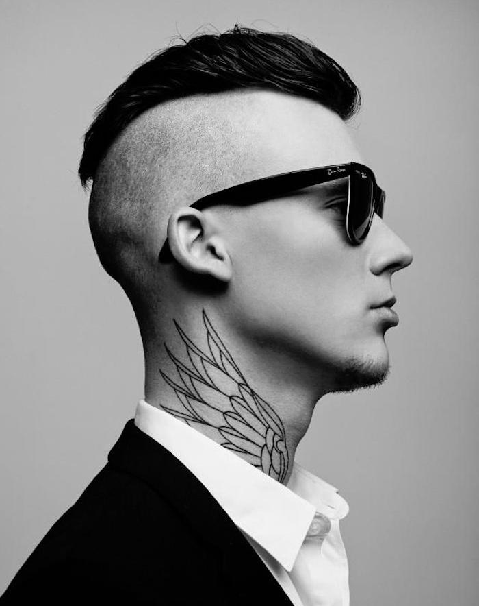 tatouage cou pour homme idée tattoo ailes sur la nuque gorge