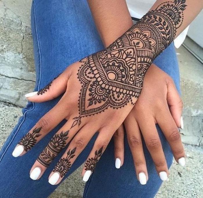 Tatouage poignet dentelle free pochoirs de tatouage au henn modles indiens airbrush dentelle - Tatouage manchette mandala ...