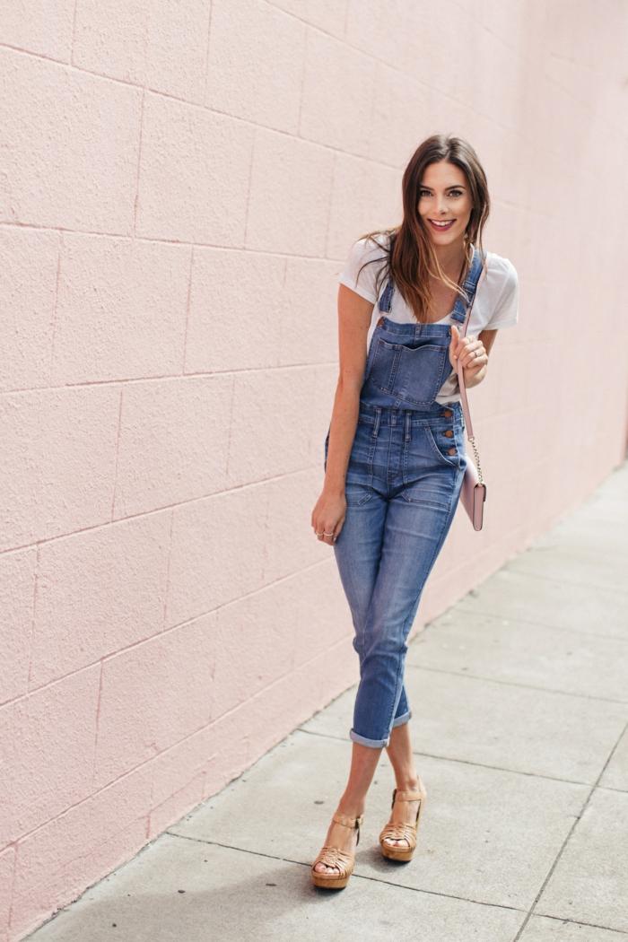 Idée comment associer salopette jean femme salopette jeans