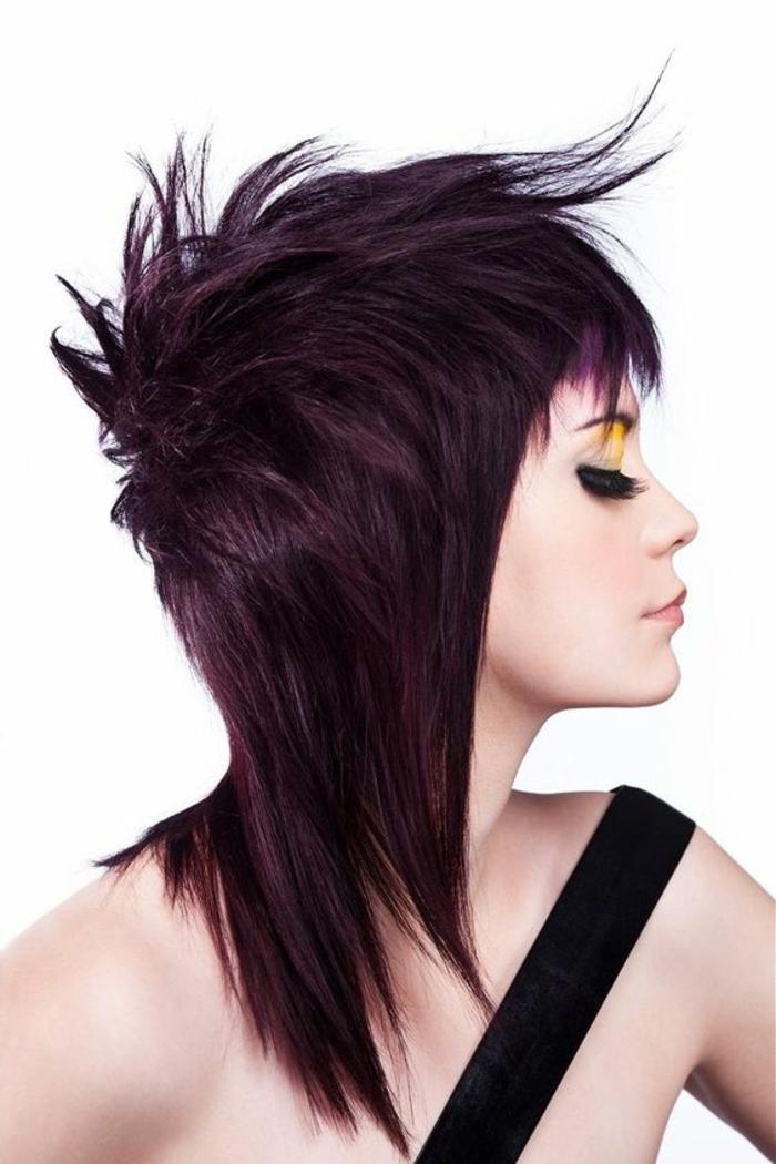 coupe de cheveux femme stylisee mi longue couleur marron foncé