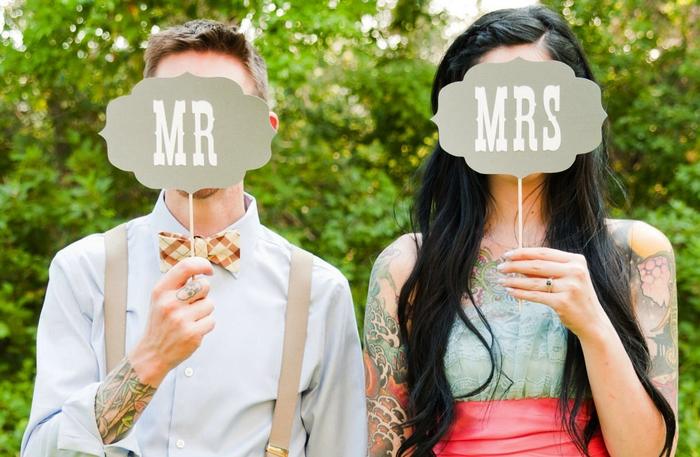 comment réaliser de jolies photos de mariage avec des accessoires de photobooth