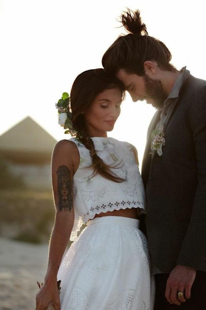 Délicat robe de mariée courte robe de mariée créateur tendance robe deux pieces cropped top et longue jupe dentelle blanche