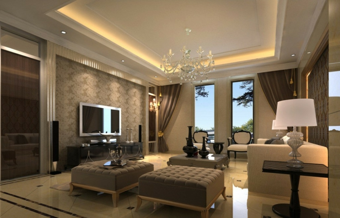 aménager un petit salon, plafonnier baroque, plafond lumineux, chaises baroques en couleur taupe-écran-monté-au-mur