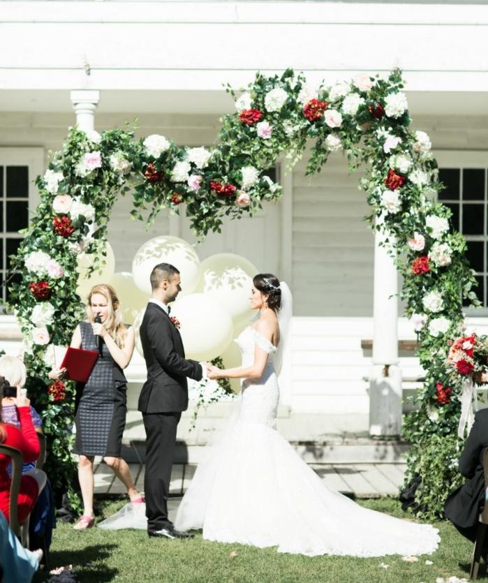 Fantastique arche pour mariage un arche art floral mariage couronne florale mariage cérémonie