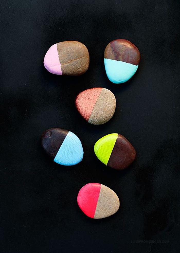 joli design avec bouts des galets peints aux couleur pastel et flashy