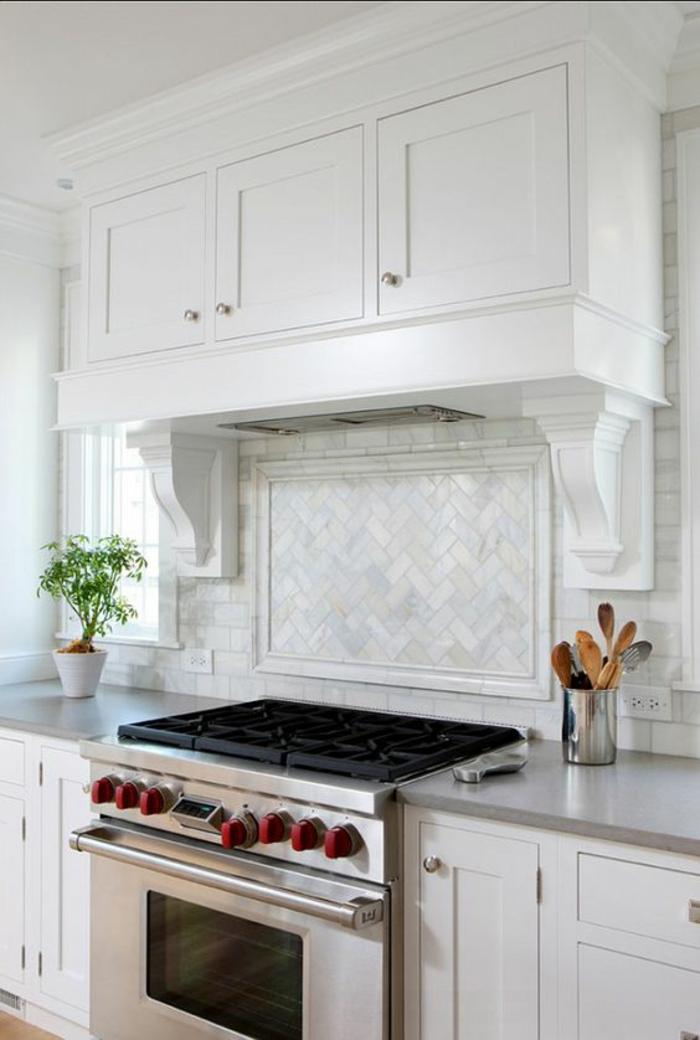 couleur gris perle dans la cuisine plan de travail lumineux en gris nuances nacrées