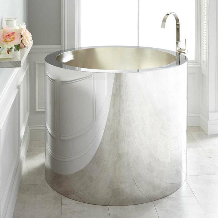 petite baignoire ronde circulaire chrome design