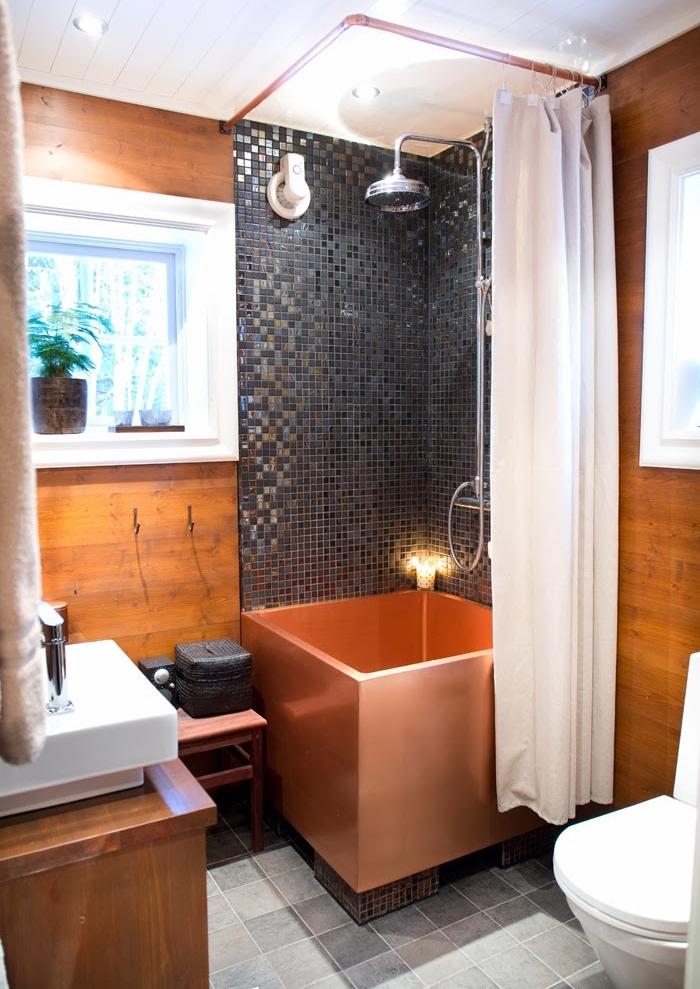 modele mini baignoire carrée cuivre design luxe pour salle de bain petite