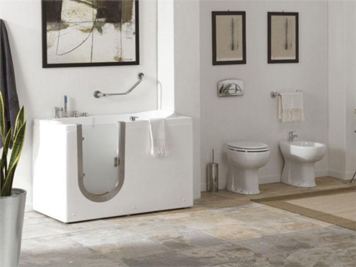 baignoire pratique accessible petit format avec porte