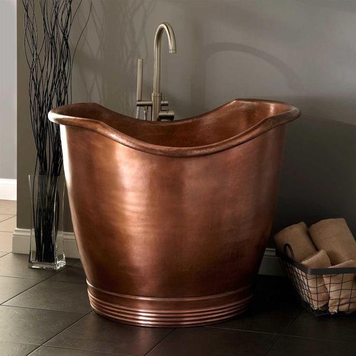 petite cuve baignoire en cuivre vintage old school pour petites salles de bain
