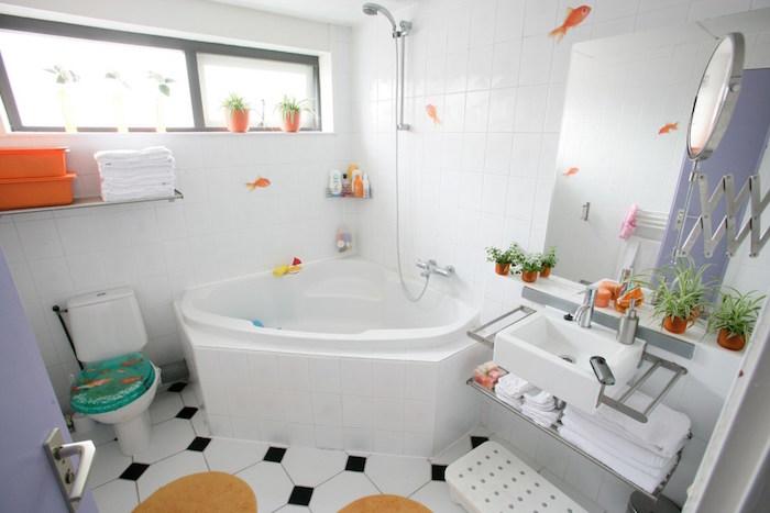 baignoire gain de place d'angle style jacuzzi petite salle eau