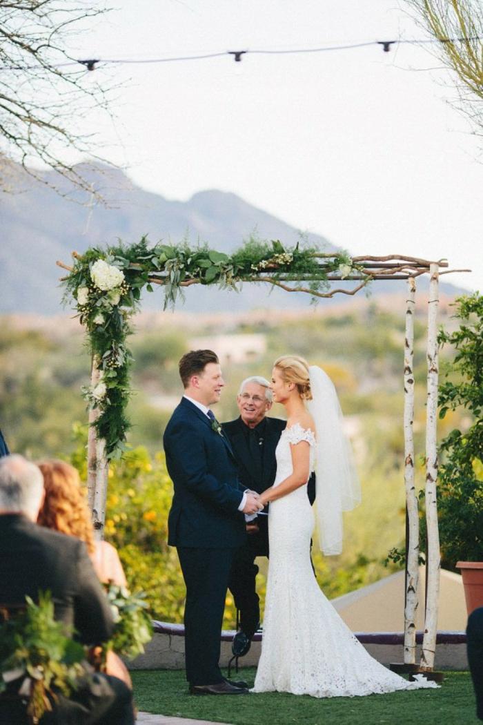Bouquet table mariage decoration florale mariage belle idée déco belle robe de mariée dentelle