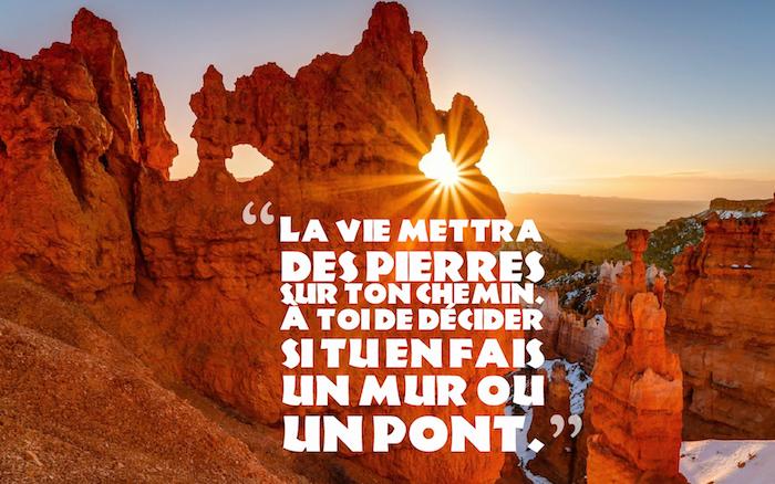 dicton sur la vie, image inspirante pour fond d'écran, photo de la nature avec rochers et rayons du soleil