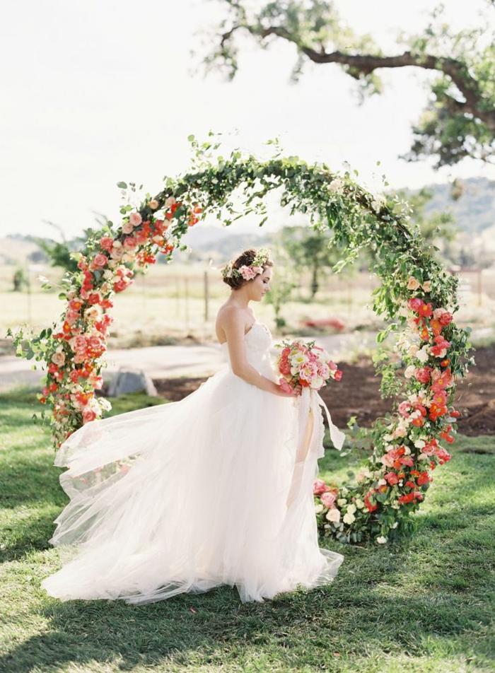 Arche de mariage fleurie ronde forme arche belle photo la mariée bouquet de mariage