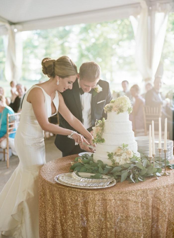 Porter une robe de mariée dorée robe mariee dentelle moderne