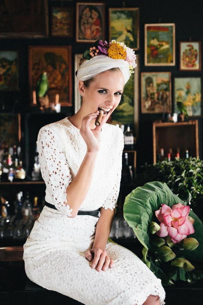 Robe de mariée fourreau robe de mariée rose ou blanche moderne