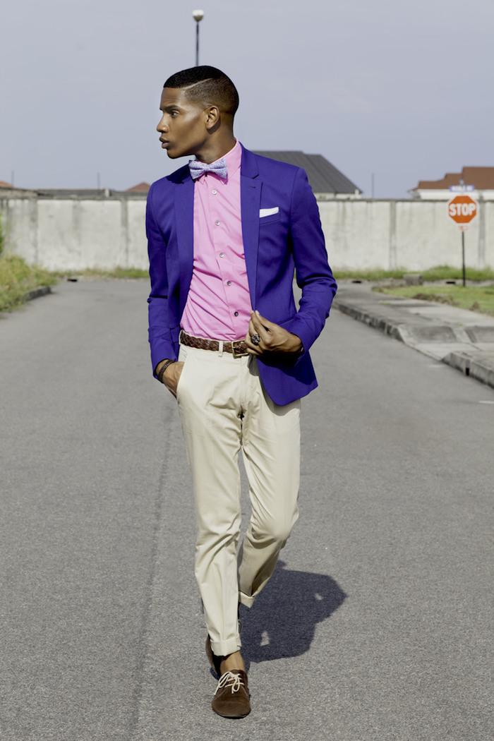 chemise rose fluo pour homme coupe cintrée avec chino beige