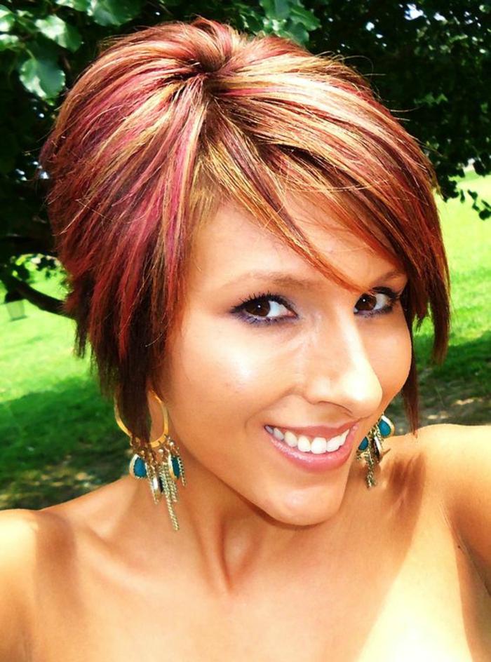 Très ▷ 1001+ Idées pour une coupe asymétrique + les coiffures de l'été  OO13