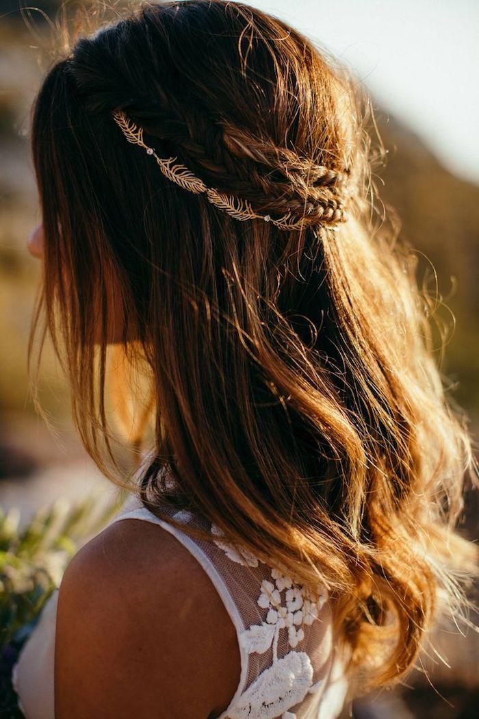 accessoire cheveux marriage, couleur de cheveux brun, coiffure avec tresse