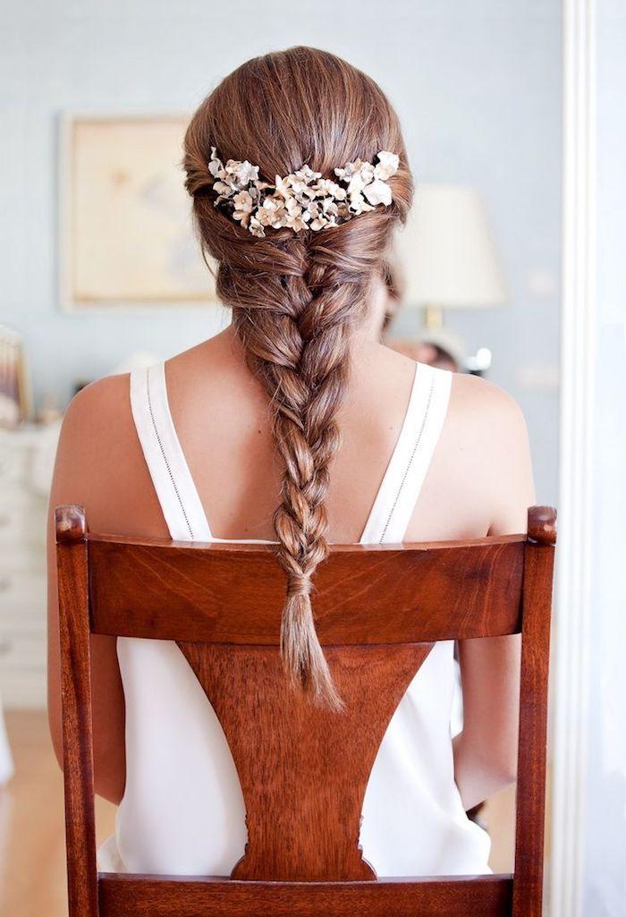 accessoire cheveux marriage, coupe de cheveux longs, couleur de cheveux brun