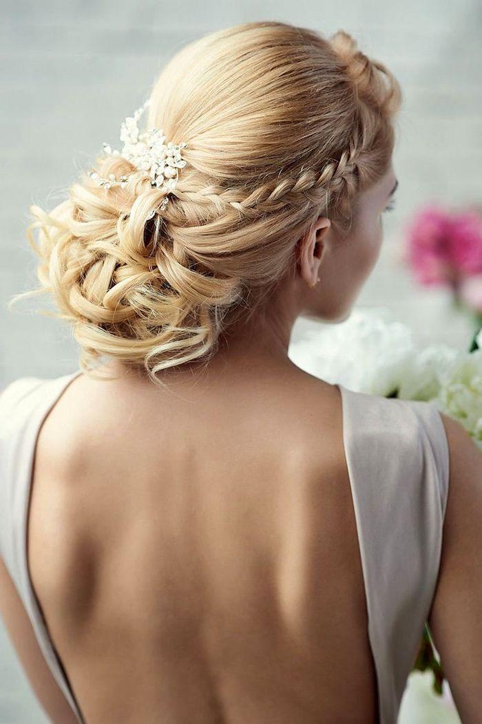 chignon marriage, accessoire cheveux marriage, coiffure avec tresse, couleur de cheveux blond