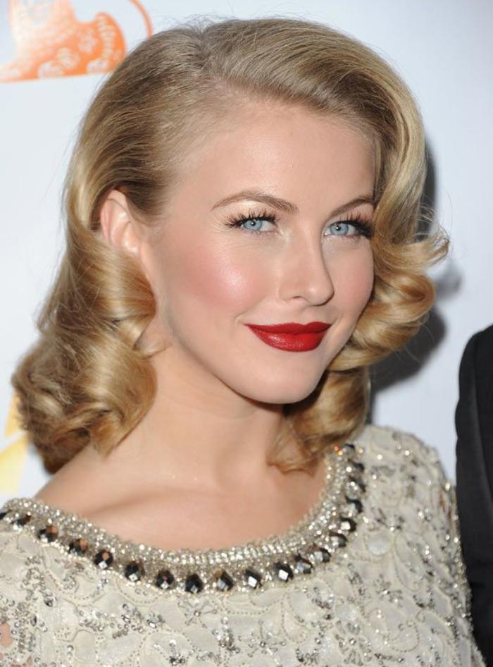 des boucles hollywoodiennes pour un look rétro chic, une coiffure année 50 élégante et chic