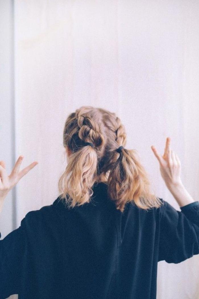 tresses et queue de cheval deux en un, idée de coiffure facile femme, simple et rapide, comment faire une tresse