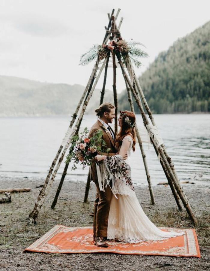 Quelle décoration fleurs mariage composition de fleurs pour mariage tipi hipster mariage