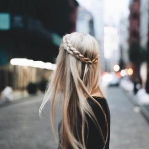 Coiffure facile à faire - plein de tutos et idées de coiffure à réaliser en deux temps trois mouvements