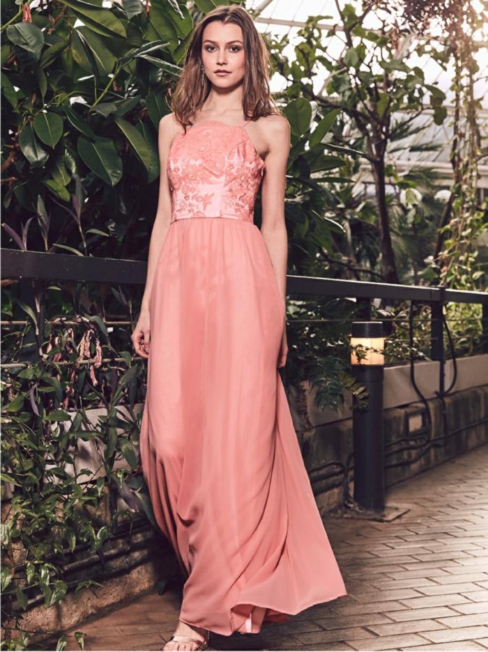 Une robe longue mariage robe ecru pour mariage belle idée robe longue couleur de pêche