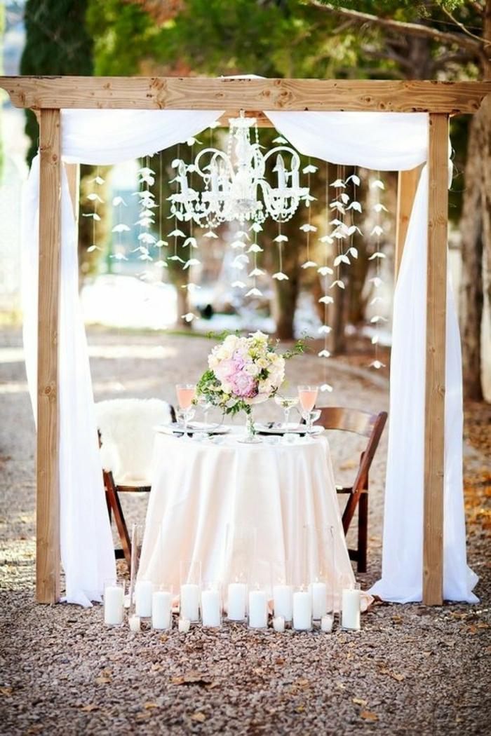 Decorateur floral composition de fleurs pour table de mariage beau