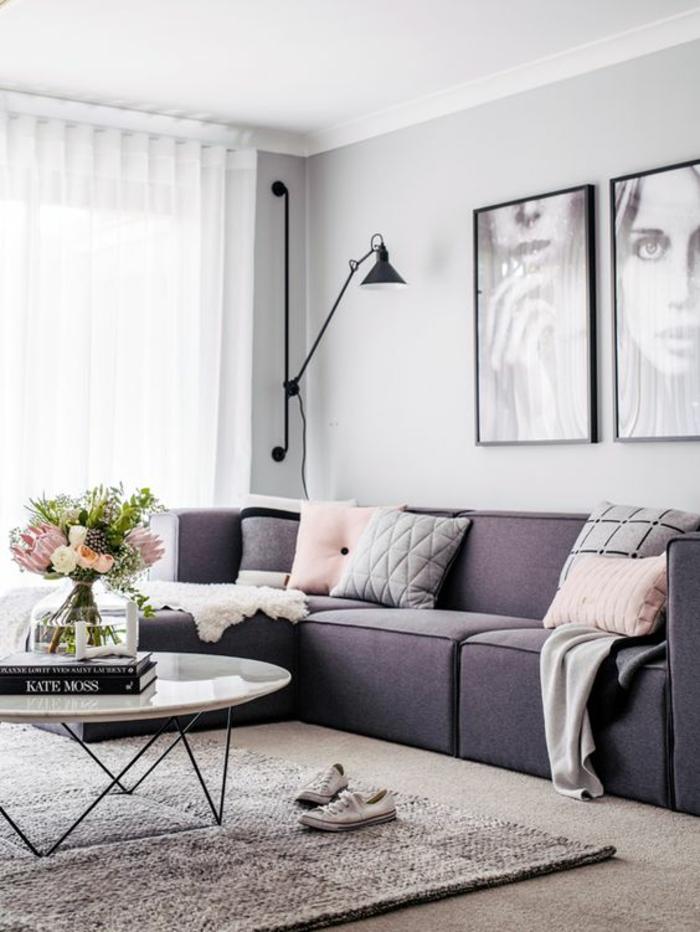 gris perle salon spacieux canapé gris fumée table basse plan blanc rond