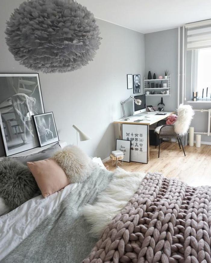 gris perle dans une chambre a coucher avec grand luminaire attrayant en gris fumée