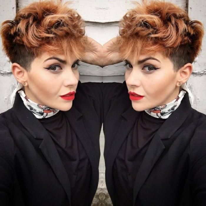 coupe de cheveux femme court cheveux rasés des deux cotés nuances bourgoundi