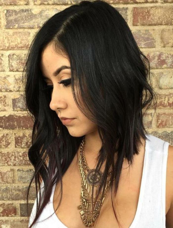 Coupe de cheveux long et noir