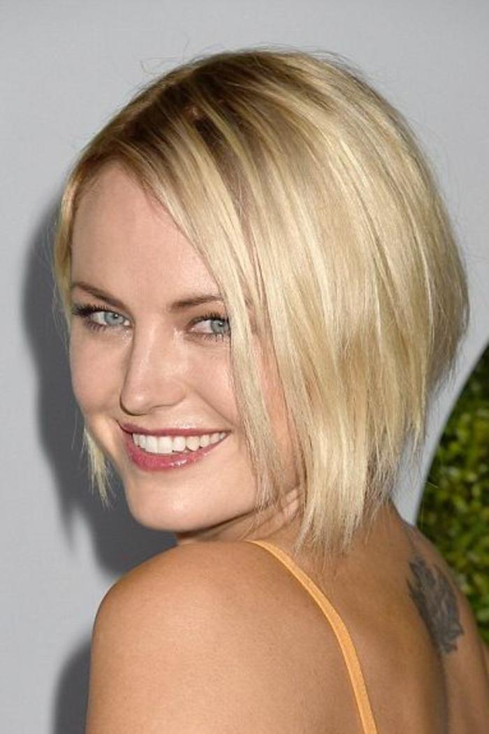 coupe femme court, coiffure femme cheveux fins, carré court lisse