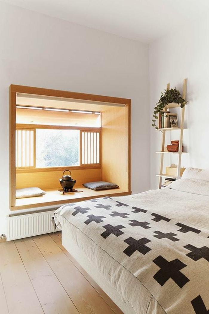 idee deco chambre avec niche en bois clair ambiance zen méditative escalier au mur porte-plante