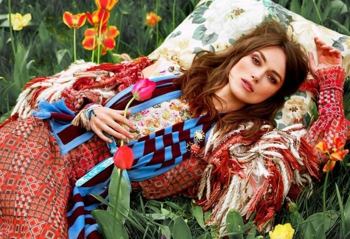 Vetement hippie femme look bohème chic robe longue echarpe bleu et rouge