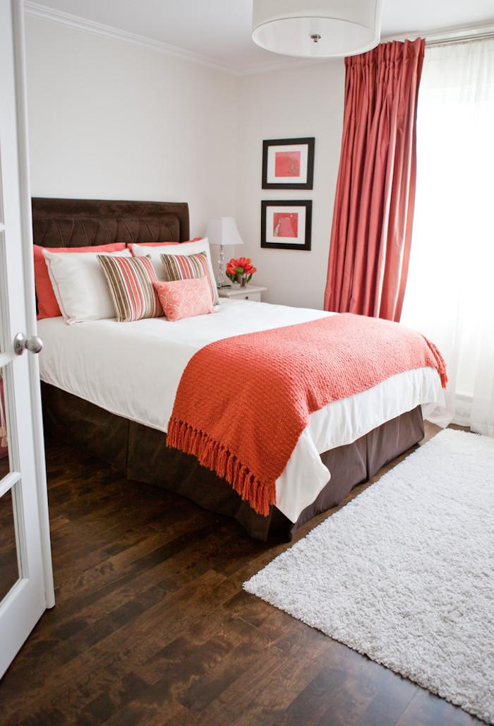 idee couleurs décoration chambre rouge corail blanc
