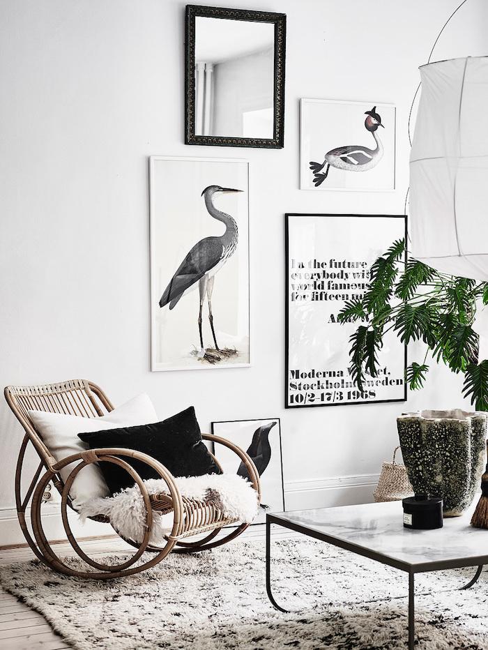 meuble scandinave, table basse à imitation marbre, suspension luminaire blanche origami, peinture blanc et noir, housse blanche en fausse fourrure