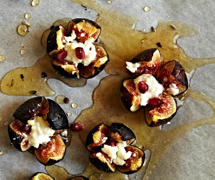 recette tapas originale, figues rôtis au four avec un farce de fromage de chèvre, sauce mélange de thym, lavande et miel, recette entre amis