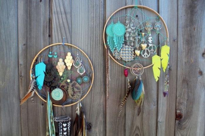 idée rangement en forme d attrape reve, anneau en bois, idée comment ranger ses bijoux, porte boucle d oreille a faire soi meme