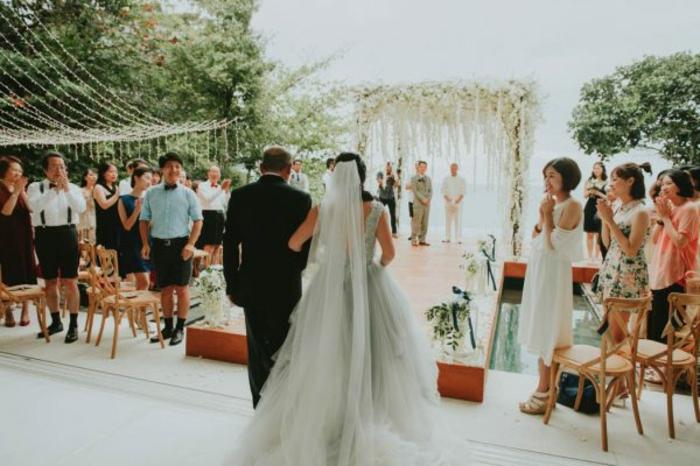Fleuriste mariage arche ceremonie laique composition floral mariage