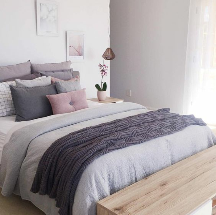 awesome chambre a coucher gris et mauve photos design. Black Bedroom Furniture Sets. Home Design Ideas
