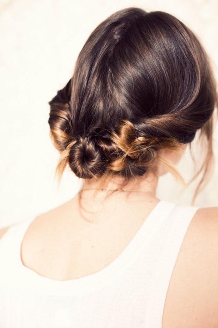 idee de coiffure facile a faire femme, cheveux mi long, mèches de coté entortillées et ramenées en arrière en petit chignon