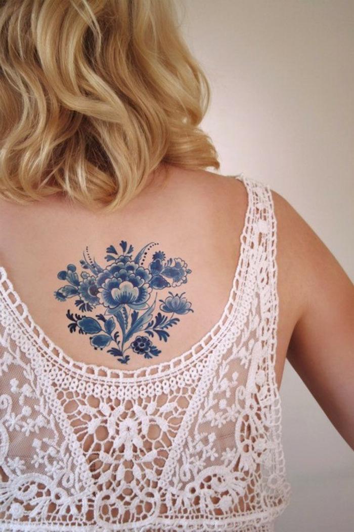 1001 dessins de tatouage fleur et leurs significations. Black Bedroom Furniture Sets. Home Design Ideas