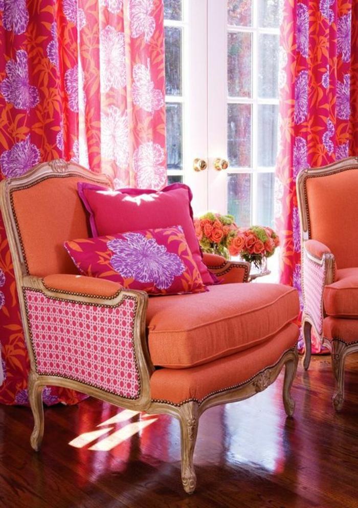 couleur fushia comment faire du rose en peinture meubes et rideaux dans un salon tres style