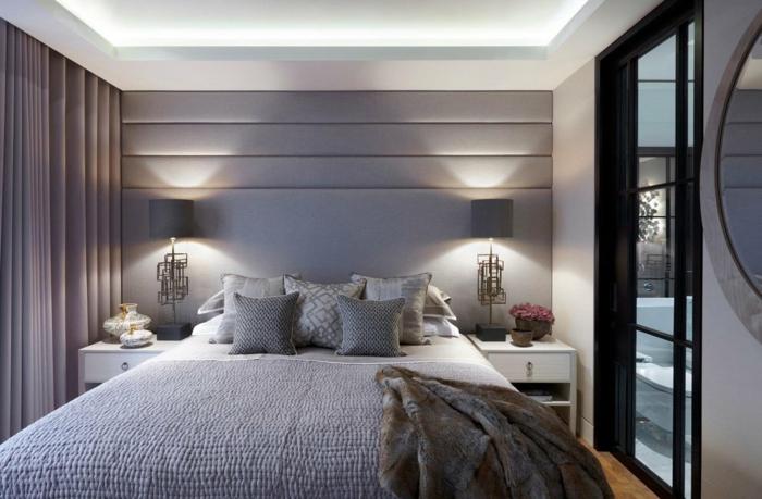 Couleur prune foncé papier peint chambre adulte tendance intérieur