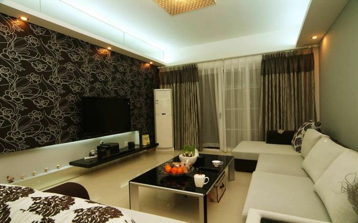 idée aménagement salon, papier peint floral, canapé beige clair, sol crème