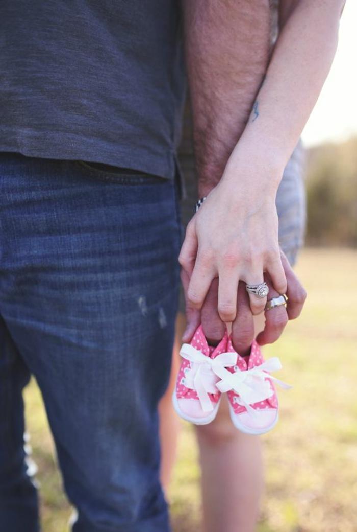 Comment annoncer que c'est une fille originale idée pour relever la surprise pour tous baskets roses